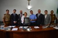 Padre Cleberson recebe o título de cidadão honorário de Almirante Tamandaré